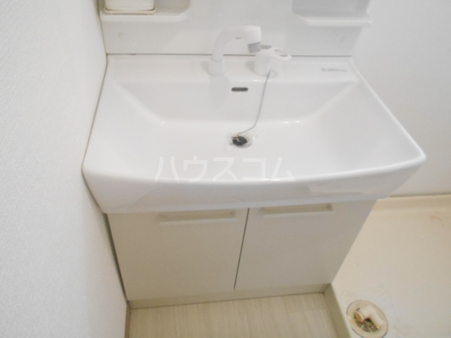 龍村貸家の洗面所