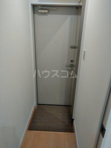 アヴェニール岩槻 101号室の玄関