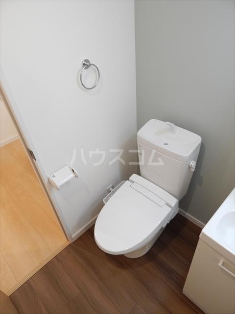 アヴェニール岩槻 106号室のトイレ