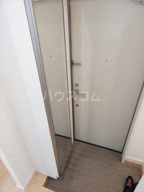 アヴェニール岩槻 109号室の玄関
