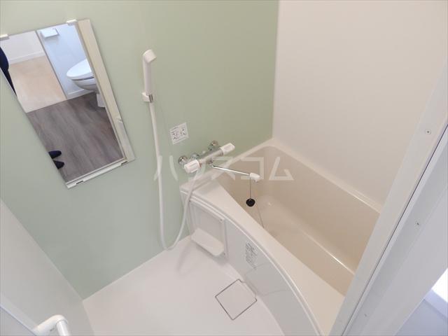 アヴェニール岩槻 109号室の風呂