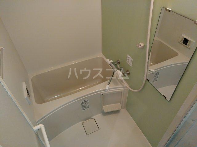 アヴェニール岩槻 201号室の風呂