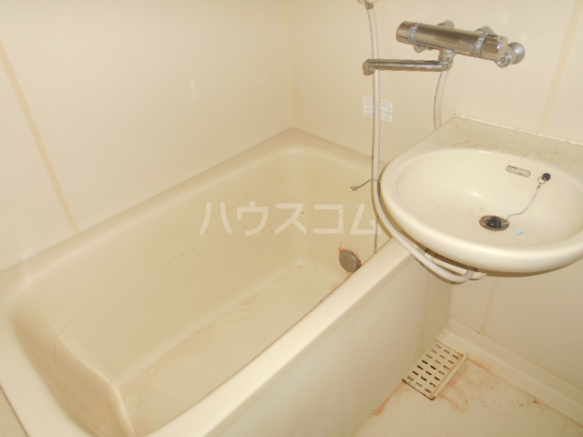ランドフォレスト春日部Ⅱ 106号室の風呂