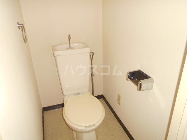 ランドフォレスト春日部Ⅱ 106号室のトイレ