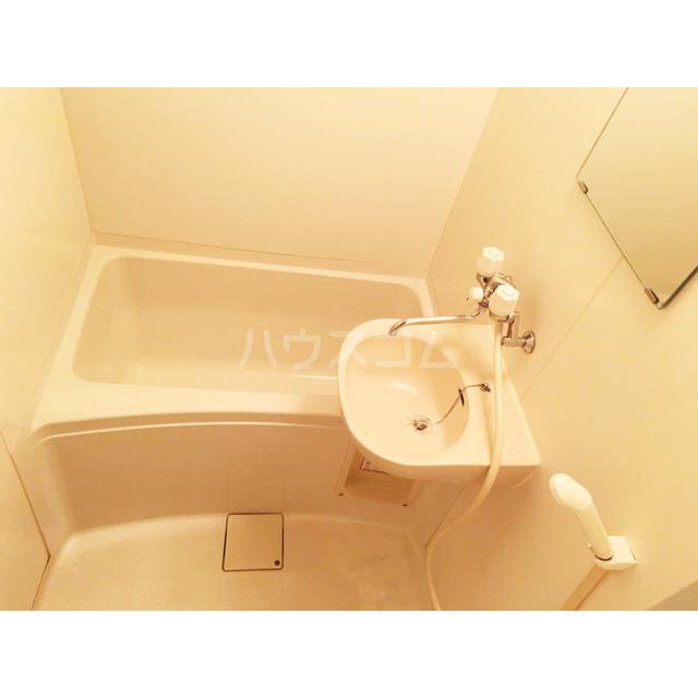 アズーリ白金 104号室の風呂