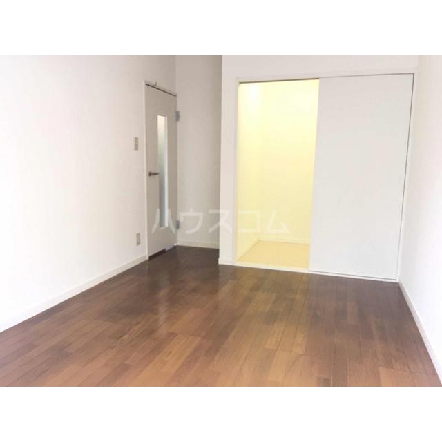 アズーリ白金 104号室のリビング