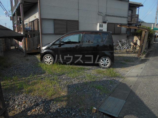 ハイツタナカⅡ 202号室の駐車場