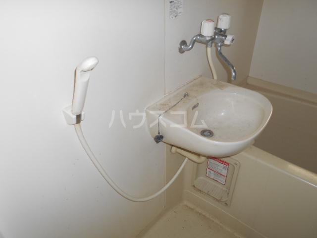 ハイツタナカⅡ 202号室の洗面所