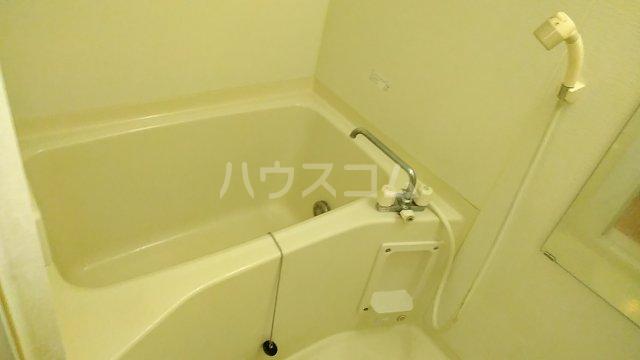 グレイス青葉 301号室の風呂