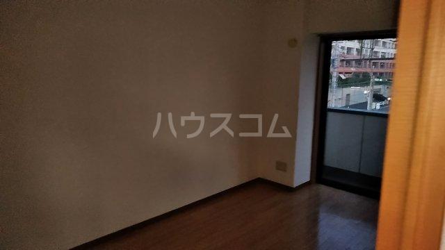 グレイス青葉 301号室の居室