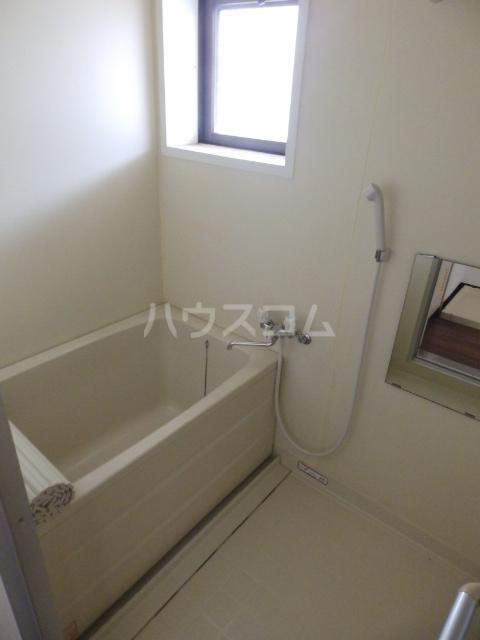 シャトーフローラルN-1 205号室の風呂