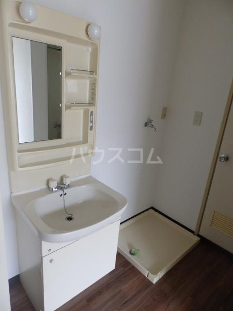 シャトーフローラルN-1 205号室の洗面所