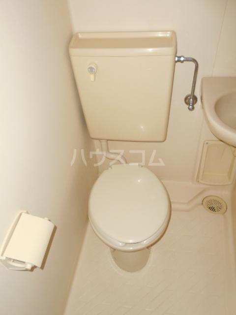 庄屋館 403号室のトイレ