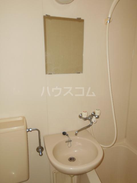 庄屋館 403号室の洗面所
