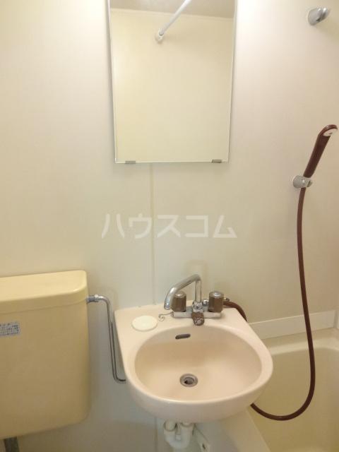 エステートピアえるむ 103号室の洗面所