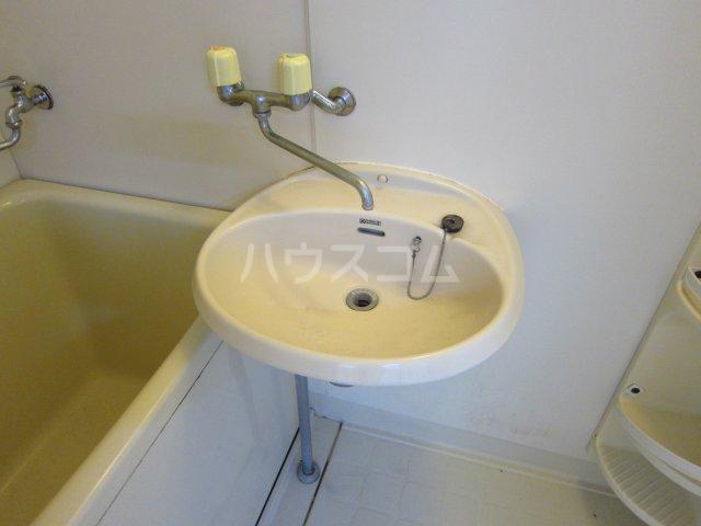 カサフローラ津田沼 104号室の洗面所