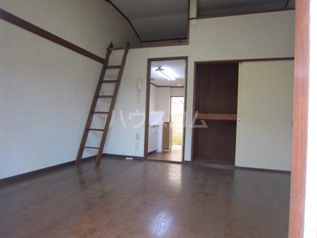 カサフローラ津田沼 104号室の居室
