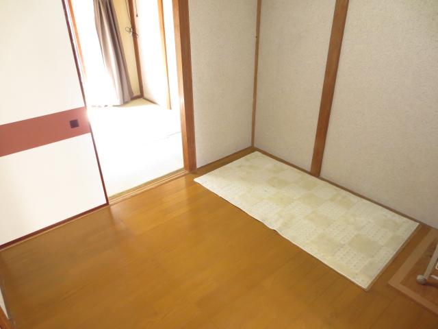 末広荘 201号室の居室