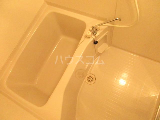 エクセレントショア 103号室の風呂