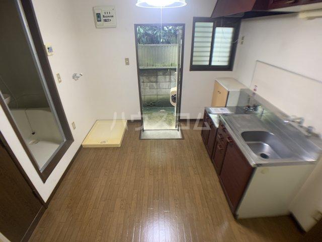 ファミーユ志田 102号室のキッチン