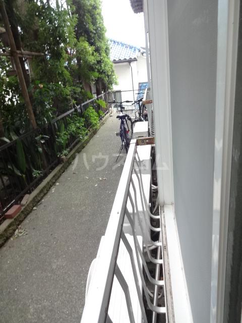 ハイツ田喜野井 106号室のバルコニー