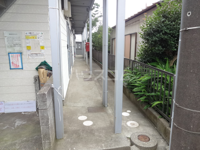 ハイツ田喜野井 106号室のエントランス