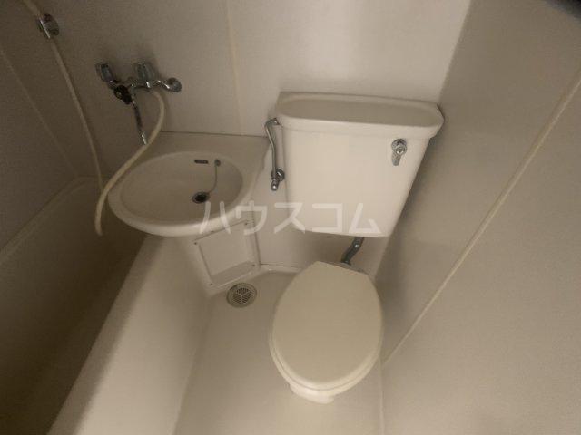 オークヒル大久保 101号室のトイレ