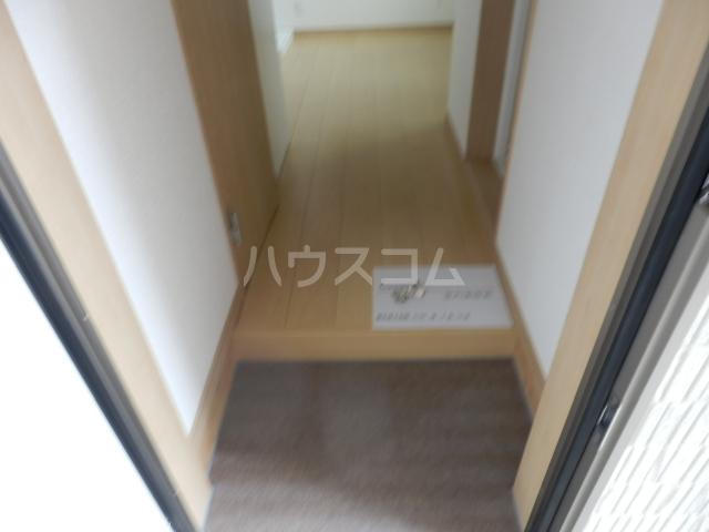 ミルプラージュ 201号室の玄関