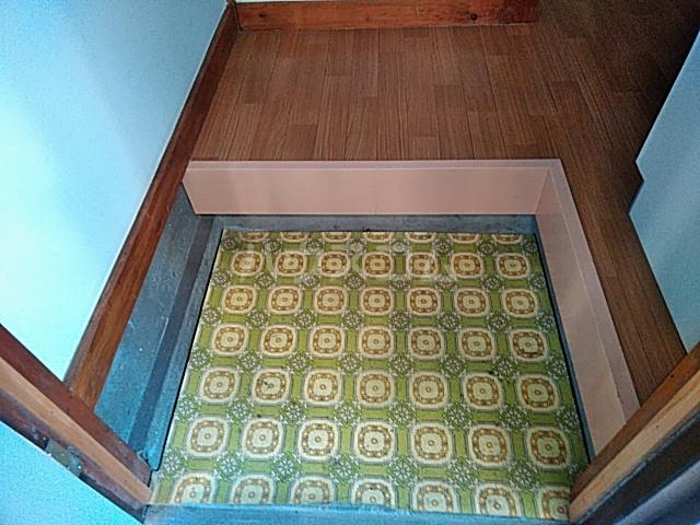 白井荘 1号室の玄関