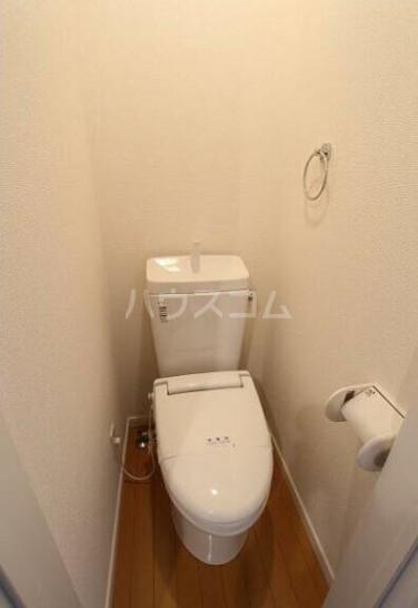 TM上平間  101号室のトイレ