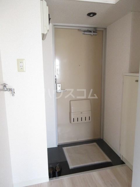メゾンチバ 303号室の玄関