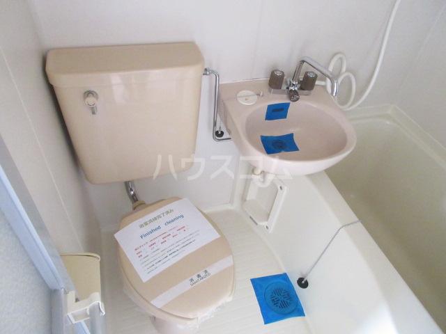メゾンチバ 303号室の洗面所