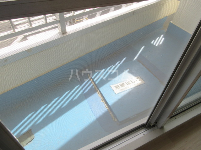 メゾンチバ 303号室のバルコニー