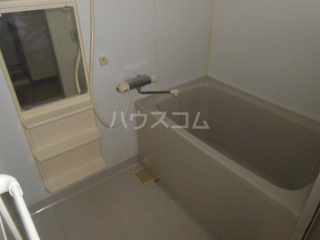グリーンガーデン東戸塚 202号室の風呂