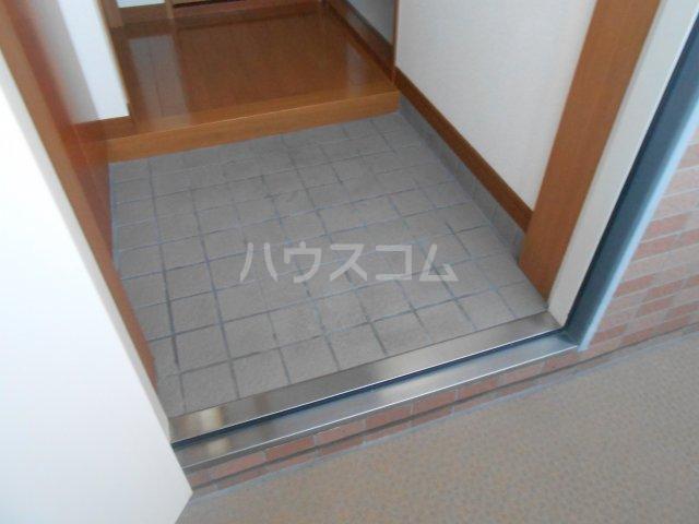 グリーンガーデン東戸塚 202号室の玄関