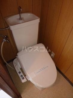 エステート1722 302号室のトイレ