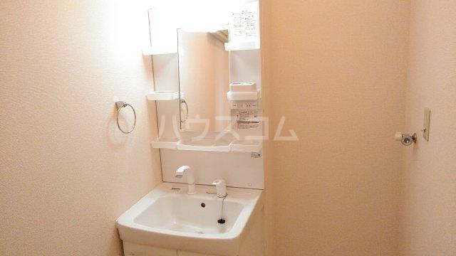 カサブランカ 103号室の洗面所