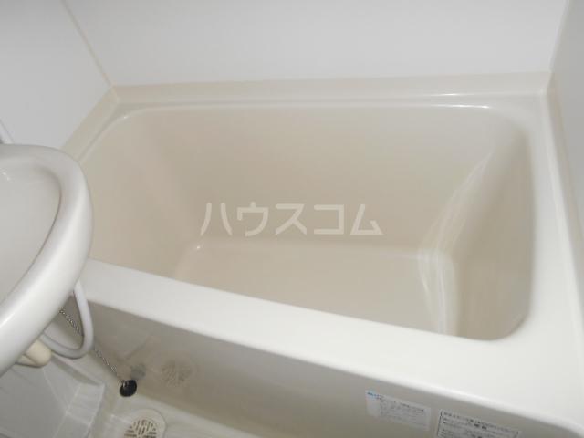 モンステラ大口仲町 206号室の風呂
