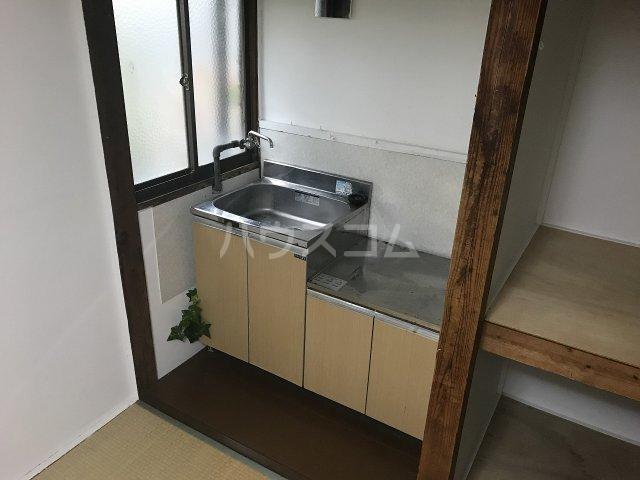 石井アパート1号棟 1号室のキッチン