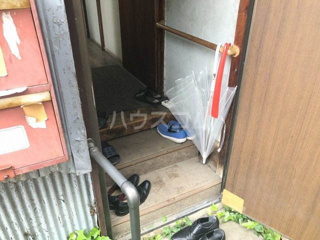 石井アパート1号棟 1号室の玄関