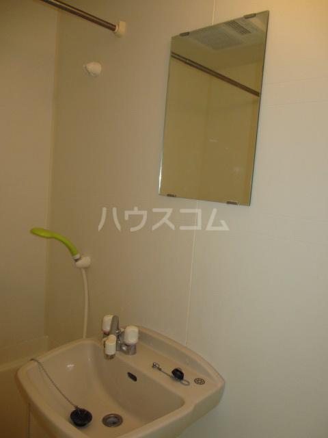 メドウスいずみ中央 204号室の洗面所