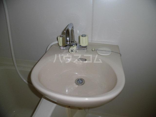下ノ根グラスワン 305号室の洗面所