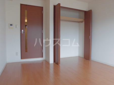 GLOIRE MANSION 102号室のベッドルーム
