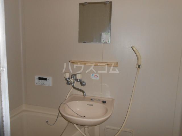 マンション築山第5 101号室の洗面所