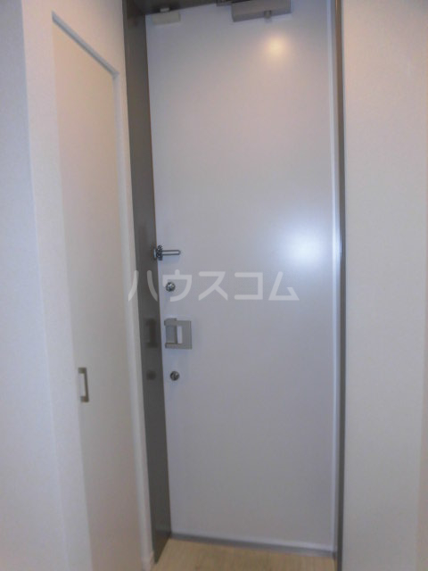 Wing湘南 207号室の玄関