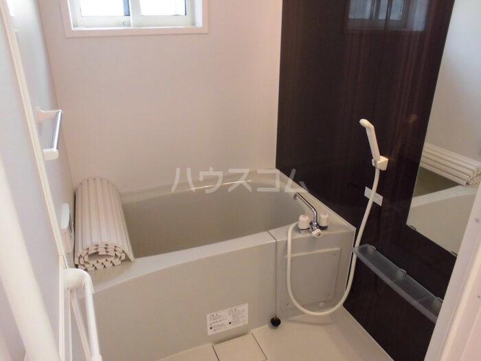 カーサポンティチェロ 102号室の風呂