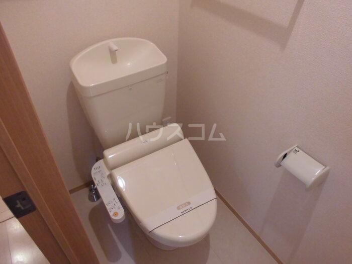 カーサポンティチェロ 102号室のトイレ