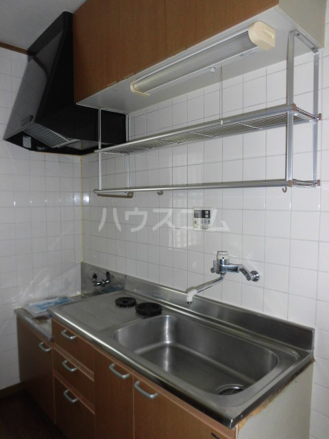 ウェルストーン 102号室のキッチン