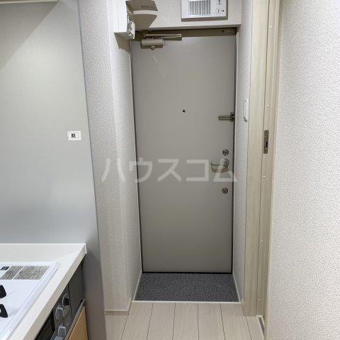 アイビーⅤ 105号室の玄関