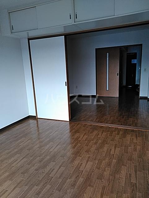 クレセール中田北 302号室のリビング